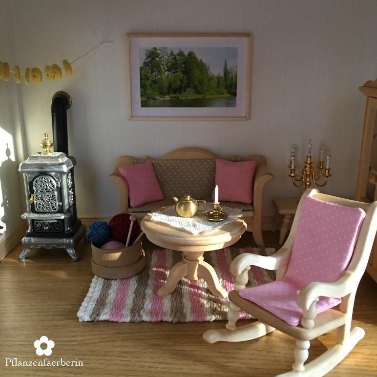 Pflanzenfaerberin: Puppenhaus Renovierung Teil 2 mit Bilderrahmen DIY
