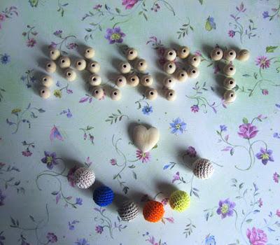 деревянные бусины, деревянное сердечко, hello march