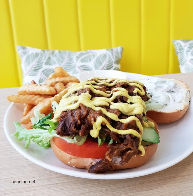 Pulled Lamb Burger - RM25