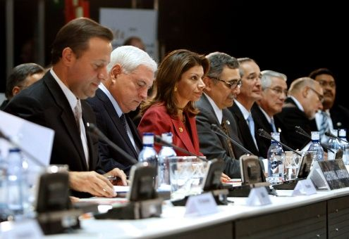UE preservará pacto nuclear con Irán sin EE.UU.