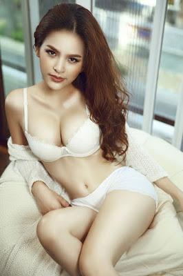 Top những bộ ngực trần đẹp nhất thế giới