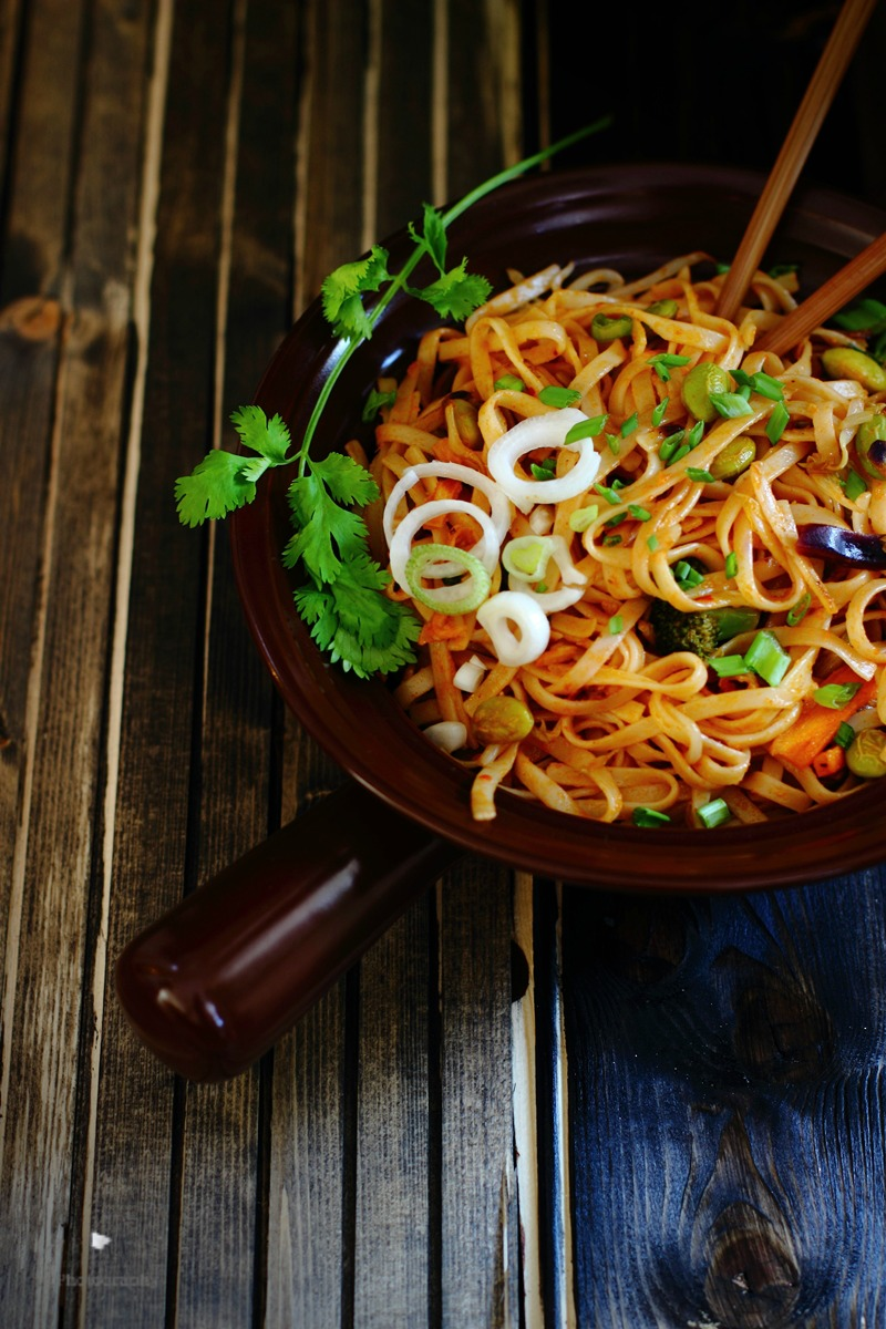 MIXED SAUCE SPICY VEGETABLE NOODLES
