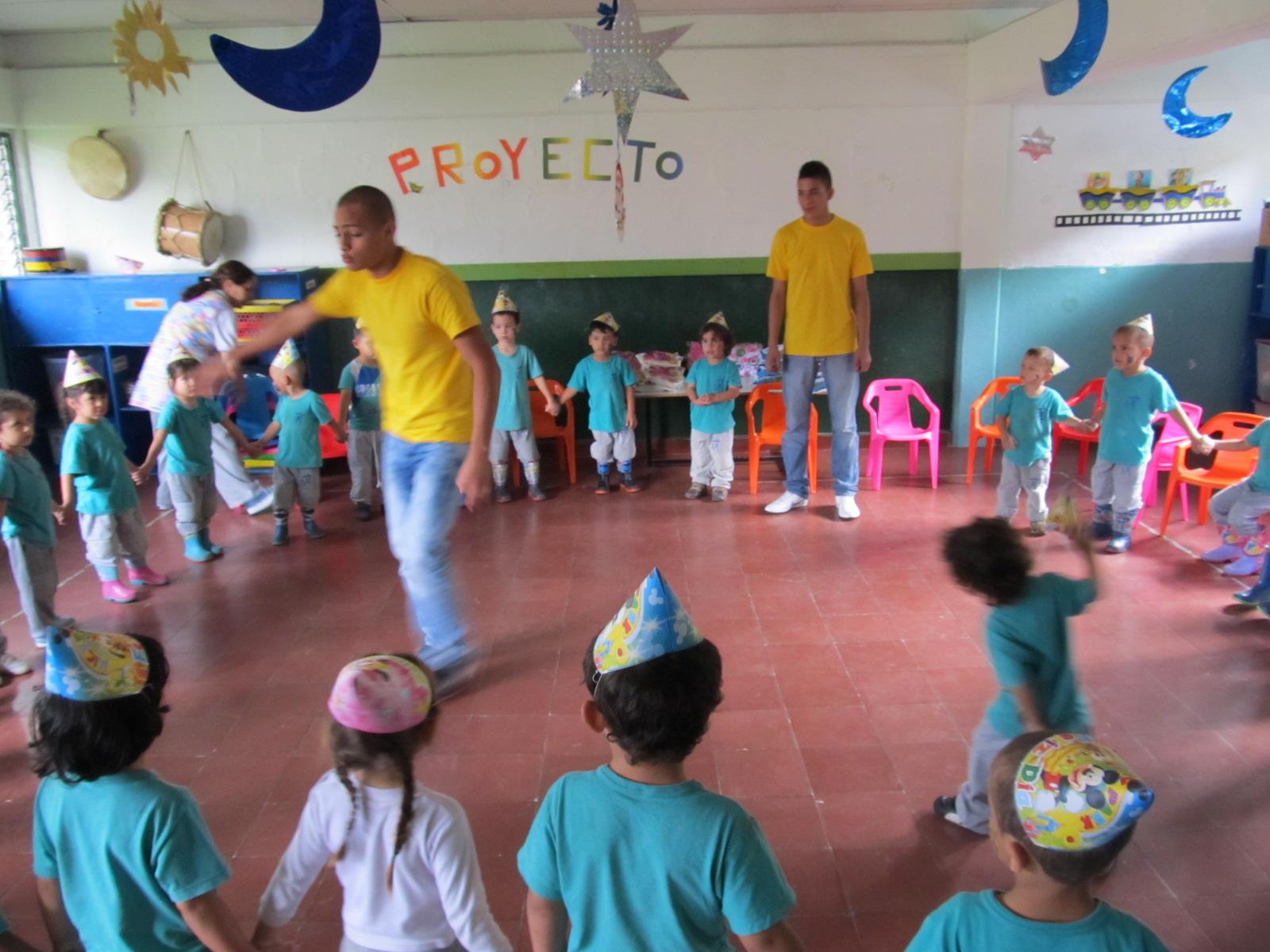 Recreacion fiestas infantiles medellin revoltosos recreaciones - Fiestas tematicas para adultos ...