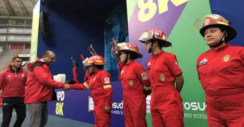 MINEDU: Ministro Alfaro da la partida a la carrera «IPD 8K Corriendo por los Bomberos» www.minedu.gob.pe
