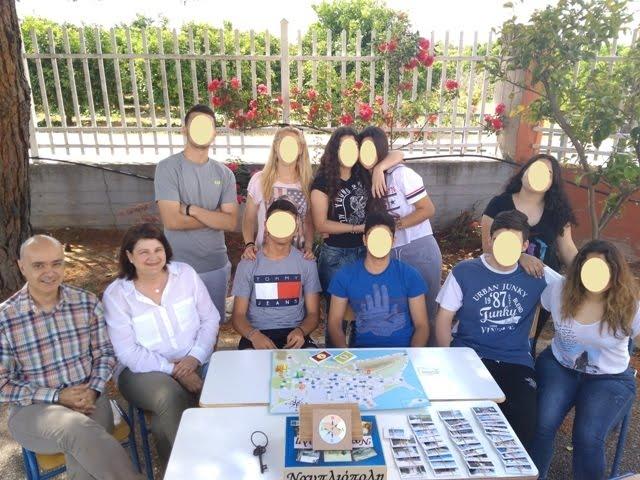"""""""Ναυπλιόπολη"""": Επιτραπέζιο παιχνίδι γνώσεων από μαθητές του Γενικού Λυκείου Αγίας Τριάδας (βίντεο)"""