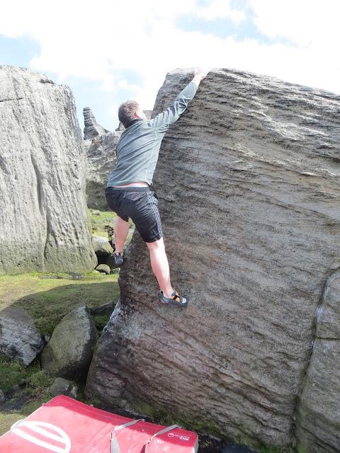 Bouldering, climbing, gritstone, natural gritstone, grit, adventure, Lancashire, Blackstone Edge, Littleborough, Greater Manchester, Stony edge, Higher Chelburn,