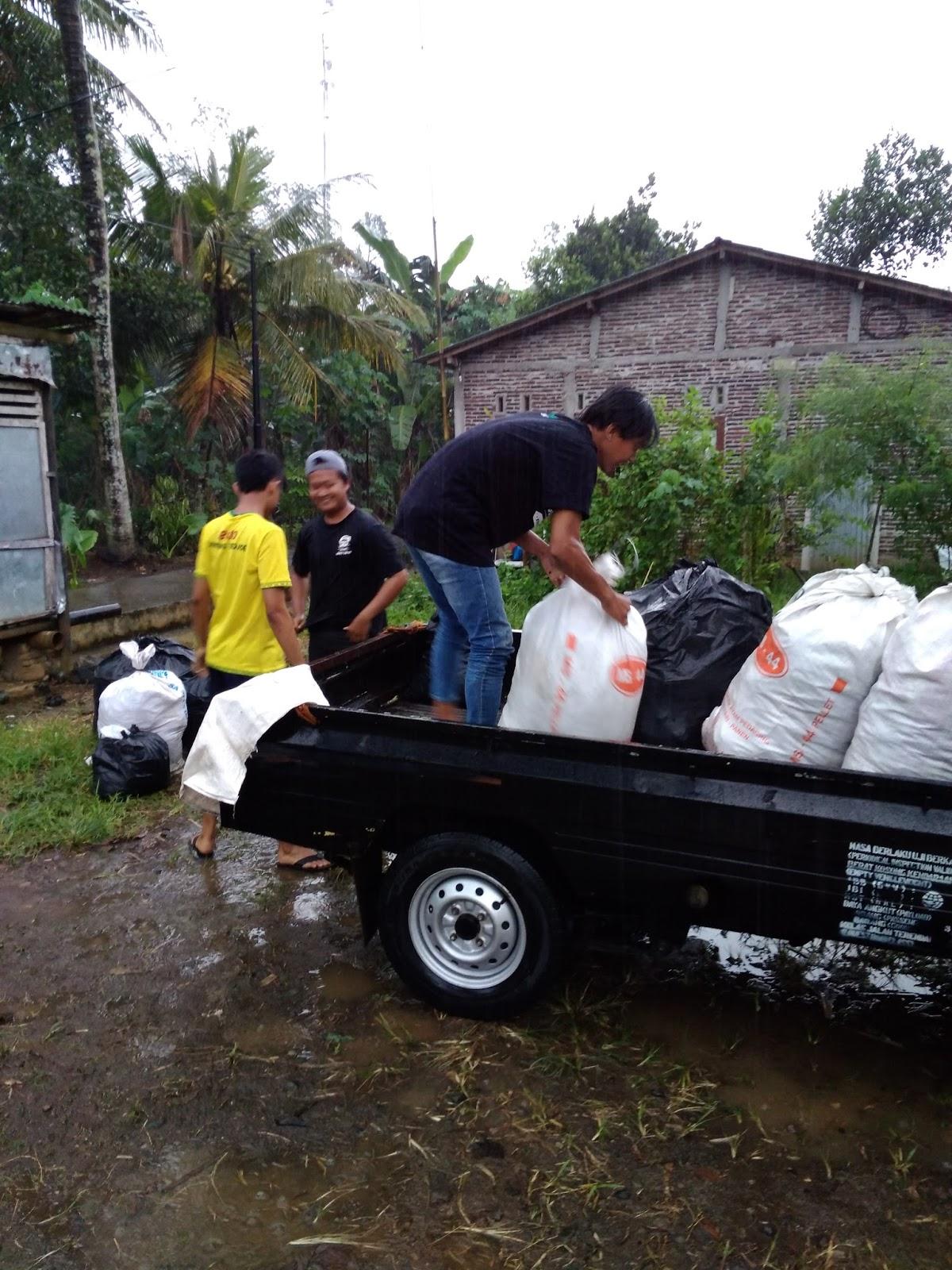 Dengan demikian penge aan sampah ini sangat efektif untuk dikembangkan secara lebih luas di Kabupaten Banyumas untuk mengurangi sampah yang diangkut ke