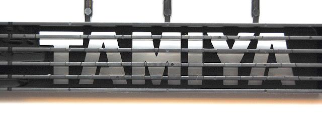 Tamiya TXT-1 battery hold down strap