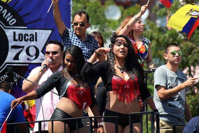 foto de grupo de danza folclorica ecuatoriana en Queens NY. cumbia ecuatoriana