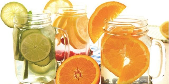 portakal ve limonlu detoks suyu nasıl yapılır - www.kahvekafe.net