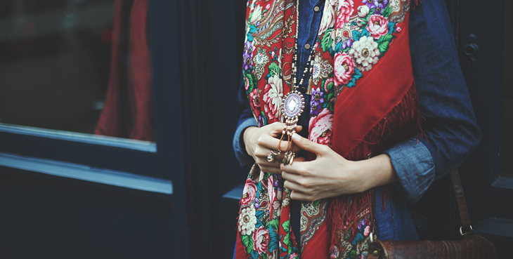 photography, details of the outfit, russian shawl, wood necklace
