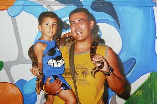 Joel y yo con una serpiente, Aquashow Park.