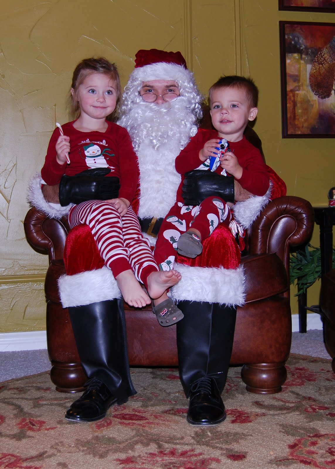 , Here comes Santa Claus!