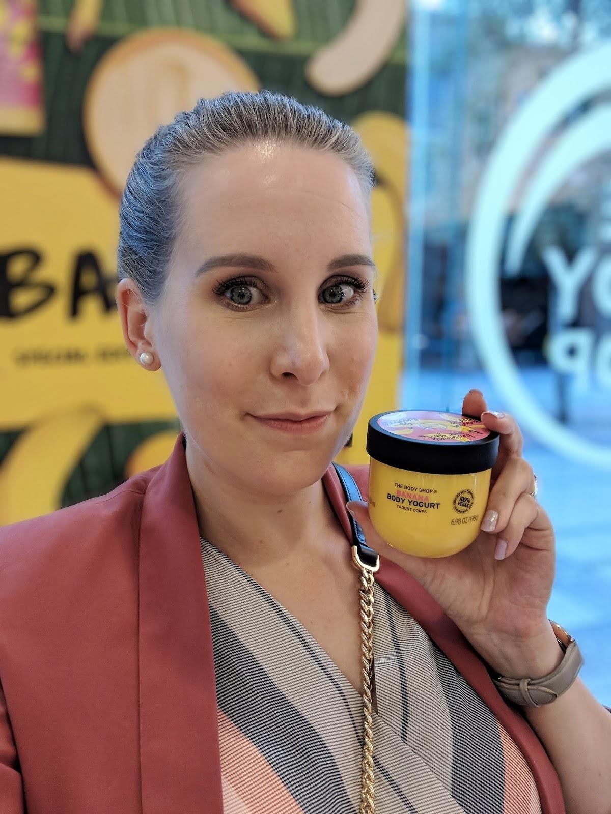 The_Body_Shop_Banana_Body_Yogurt_Selfie