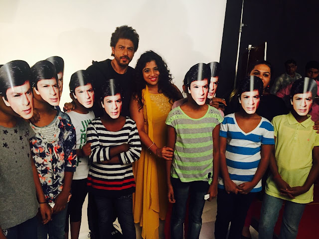 The King himself, SRK urges fans to 'Bajao for a Cause'