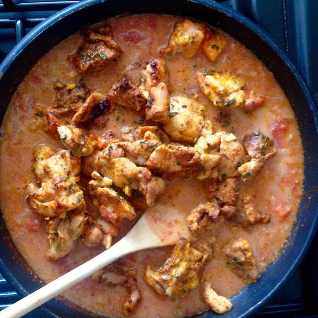 Pan full of Murgh Makhani (Butter Chicken)