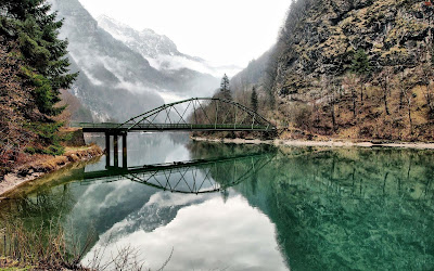 awasome-amazing-view-of-nature-and-human-made-bridge