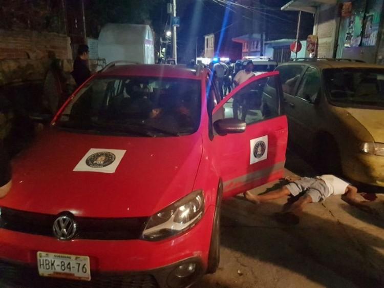 SICARIOS LO ESPERABAN FRENTE A SU DOMICILIO Y EJECUTAN AL COMANDANTE DE LA POLICÍA MINISTERIAL DE ACAPULCO