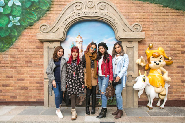 Review of Lotte World Seoul South Korea