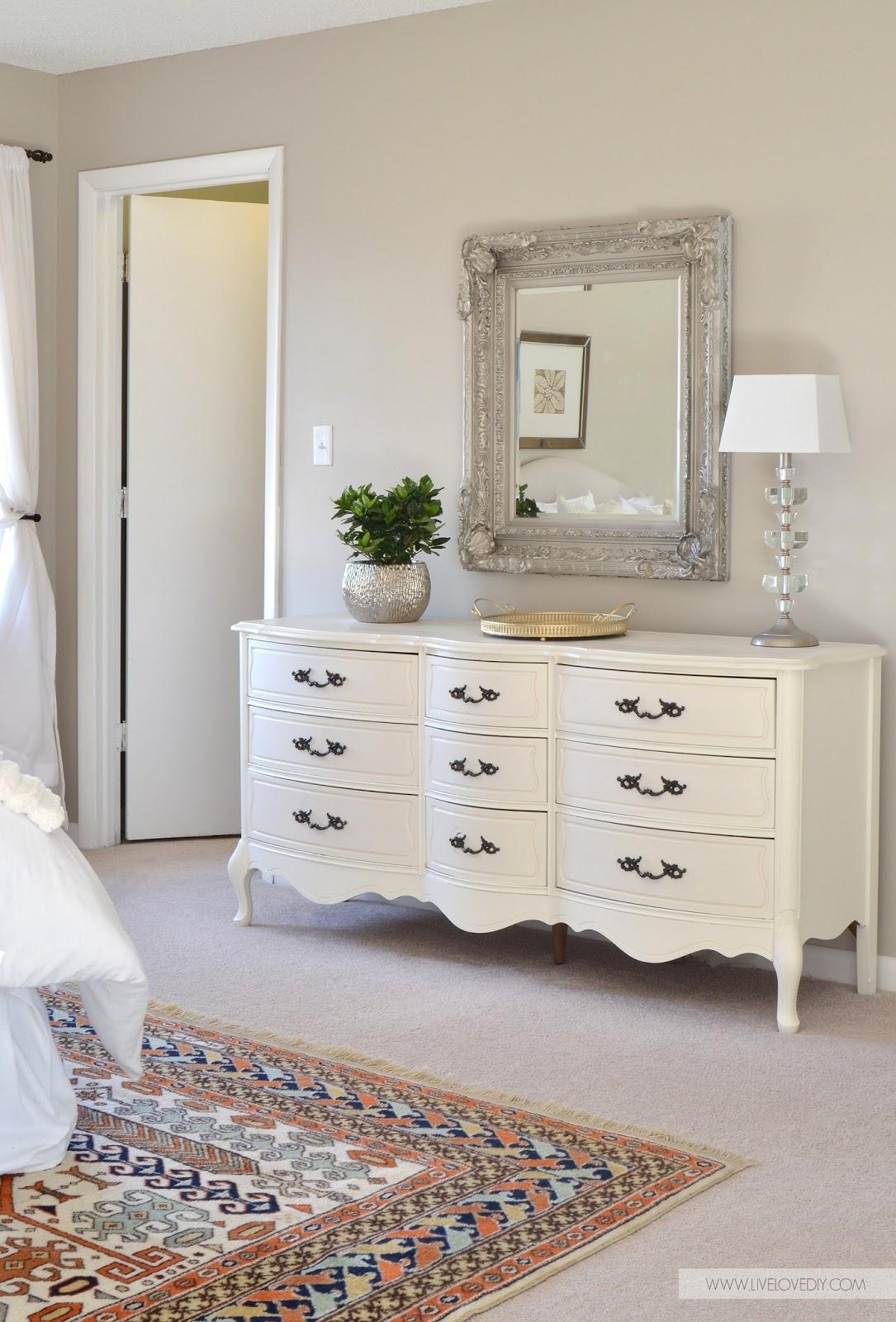 LiveLoveDIY: 10 Secrets for Buying The Best Furniture on Craigslist