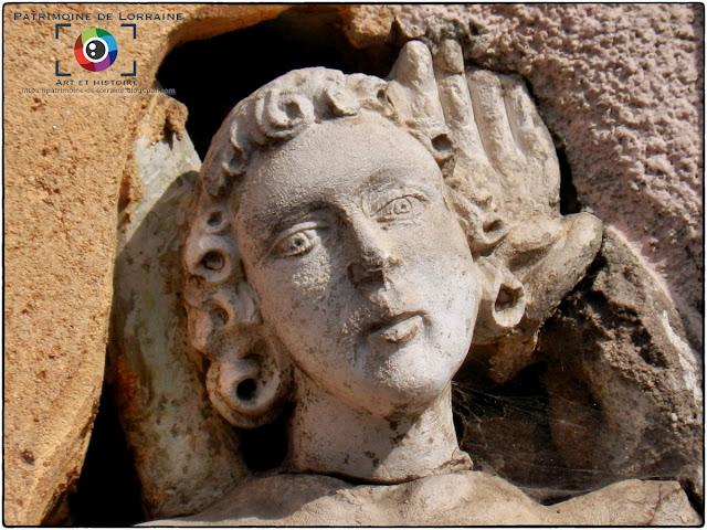 COLOMBEY-LES-BELLES (54) - Statue de Saint-Sébastien (XVIe siècle)