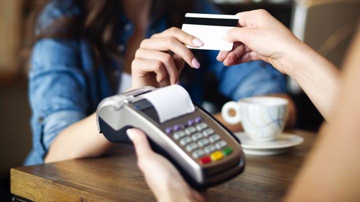 Προσοχή! Πρόστιμα 1000€ από την ΑΑΔΕ σε όσους δεν δηλώσουν τους λογαριασμούς των POS σε λιγότερο από ένα μήνα