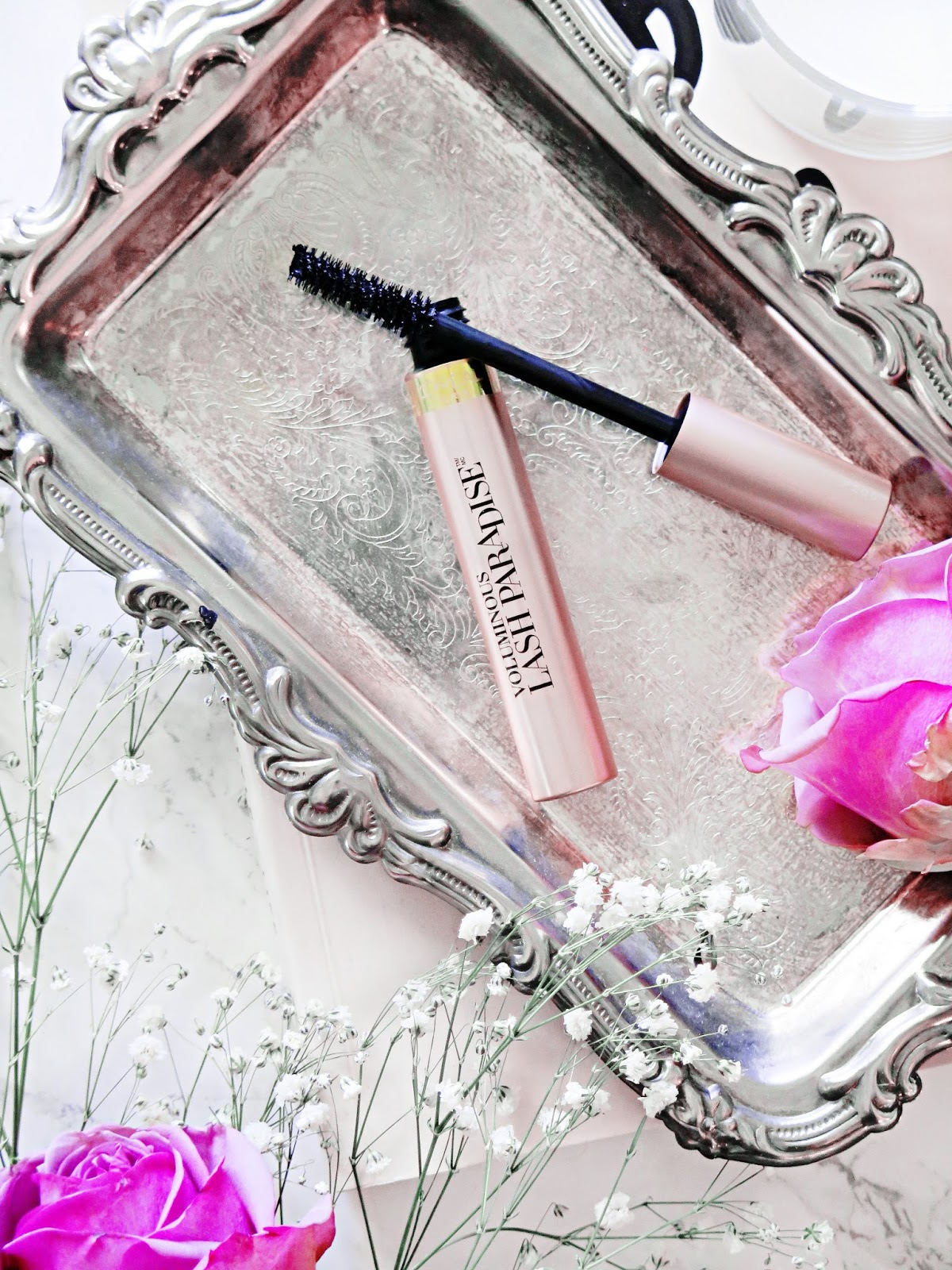 Take Your Lashes to Paradise | L'Oreal Paris Voluminous Lash Paradise Mascara | Review & Demo | www.labellesirene.ca