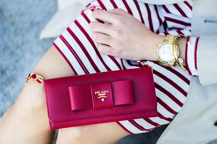 prada wallet on chain sale