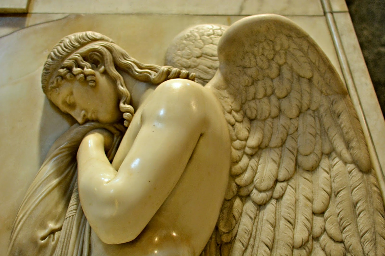 angel sculpture st peter's basilica vatican city