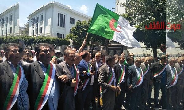 """""""أميار"""" يشاركون في مسيرة الجزائر العاصمة لرفض تنظيم الانتخابات"""