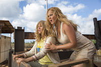Snatched (2017) Goldie Hawn and Amy Schumer Image 3 (5)
