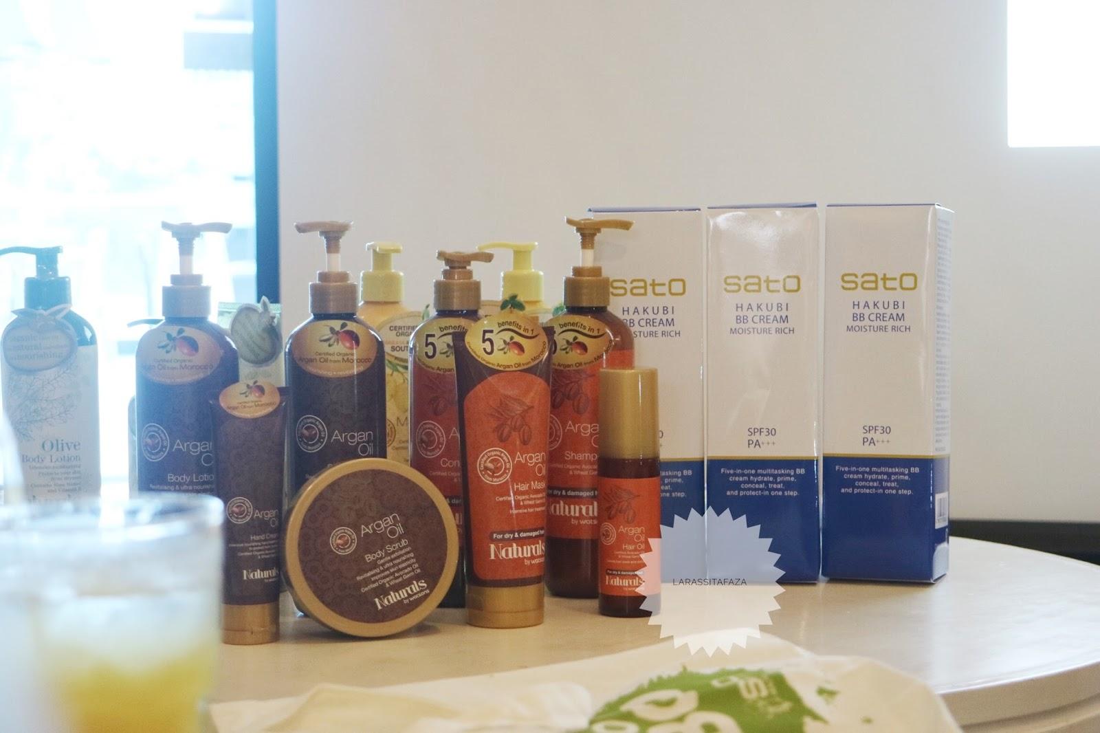 Bb Cream Dari Jepang Hakubi Blogger Gathering With Watsons Laras Sato Pastaron Produk Di Atas Adalah Terbaru Indonesia Yaitu Naturals By Sesuai Dengan Namanya Baru Mereka Berbahan Dasar