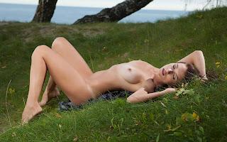 Teen Nude Girl - Sexy Naked Girl Niemira - 3
