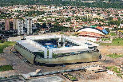 Arena Pantanal em Cuiabá, em abril de 2014. CC BY 3.0. Fonte: http://www.copa2014.gov.br/pt-br/dinamic/galeria_imagem/42482