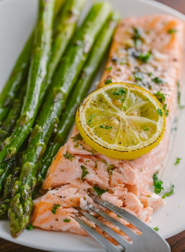 One-Pan Salmon Asparagus Recipe