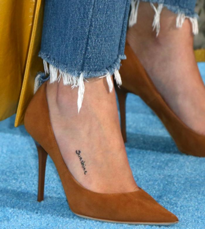 selena gomez tatuagem pé