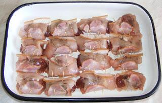 rulouri din piept de pui, retete culinare, retete de mancare, retete cu pui, preparate din pui, fripturi, aperitive, rulou din piept de pui cu ficatei si kaiser, rulouri de pui, mancaruri cu carne, retete culinare cu carne de pui,