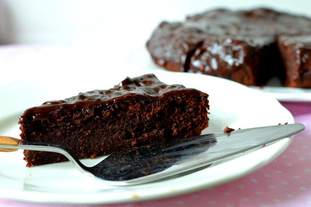 wilgotne%2Bciasto%2Bczekoladowe%2Bz%2Bdaktylami Wilgotne ciasto czekoladowe (bezglutenowe)