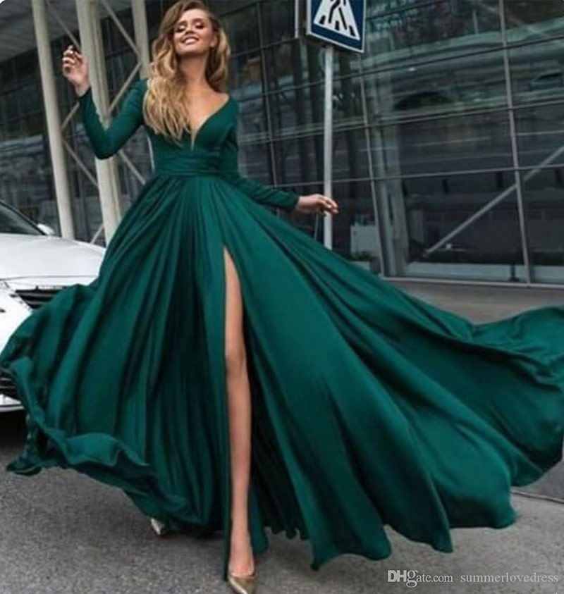 2018 Dark Green Long Sleeves V Neck Evening Dresses Ruffles Split Floor Length Formal Party Prom Dresses