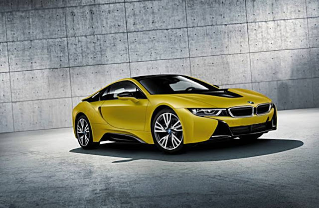 BMW i8 Protonic Frozen Black Edition and Protonic Frozen Yellow