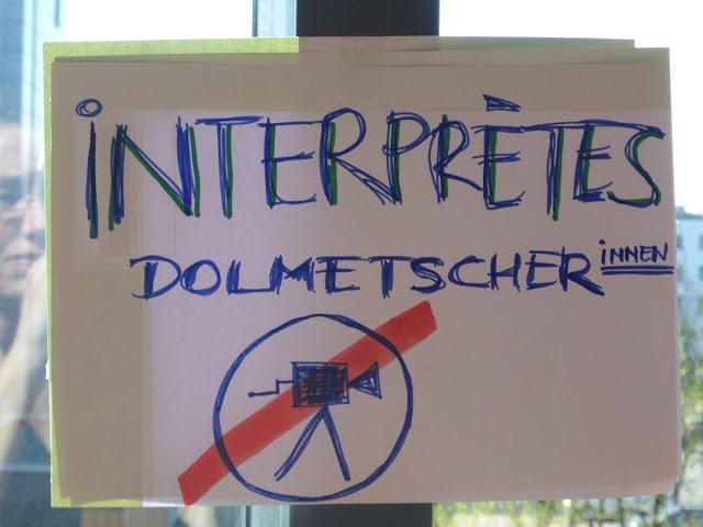 Schild: Dolmetscher filmen verboten