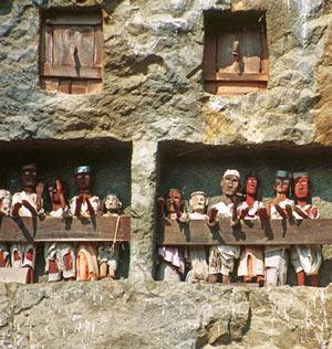 Tau-Tau tradisi unik dari Tana Toraja