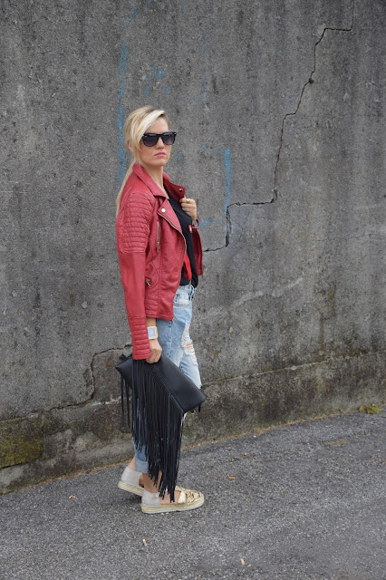 outfit chiodo di pelle rosso outfit rosso come abbinare il rosso abbinamenti chiodo di pelle rosso giacca di pelle come abbinare la giacca di pelle red leather jacket mariafelicia magno fashion blogger colorblock by felym fashion blog italiani web influencer italiane outfit settembre 2016 outfit casual