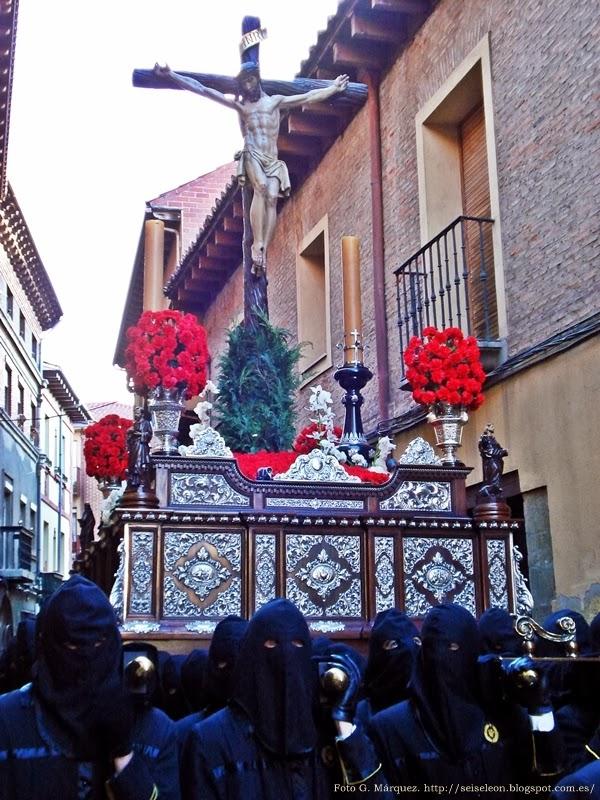 Santo Cristo. Crofradía de Nuestra Señora de las Angustias y Soledad. León. Foto G. Márquez