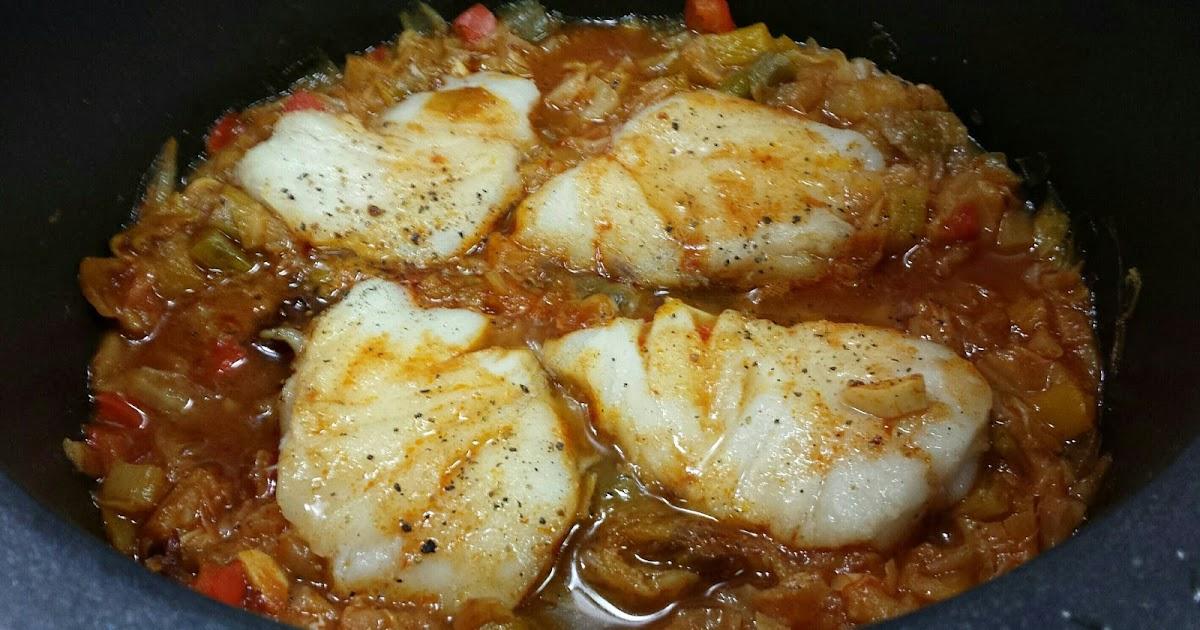 Cocina basica y fresca lomos de merluza en salsa con - Cocinar lomos de merluza ...