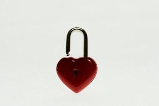 Puisi Cinta Mencuri Hati Karya Calvin Muhammad Adam