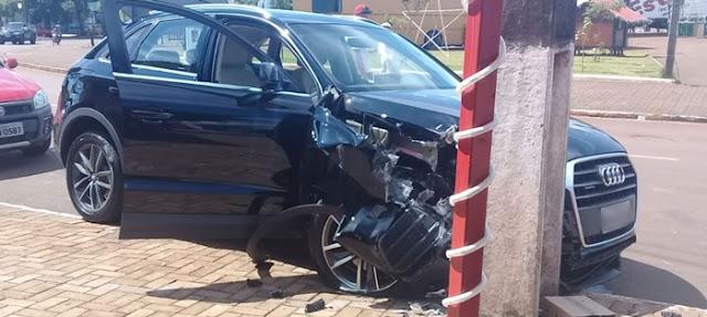 Dois acidentes de trânsito são registrados na Avenida São Pedro durante o sábado
