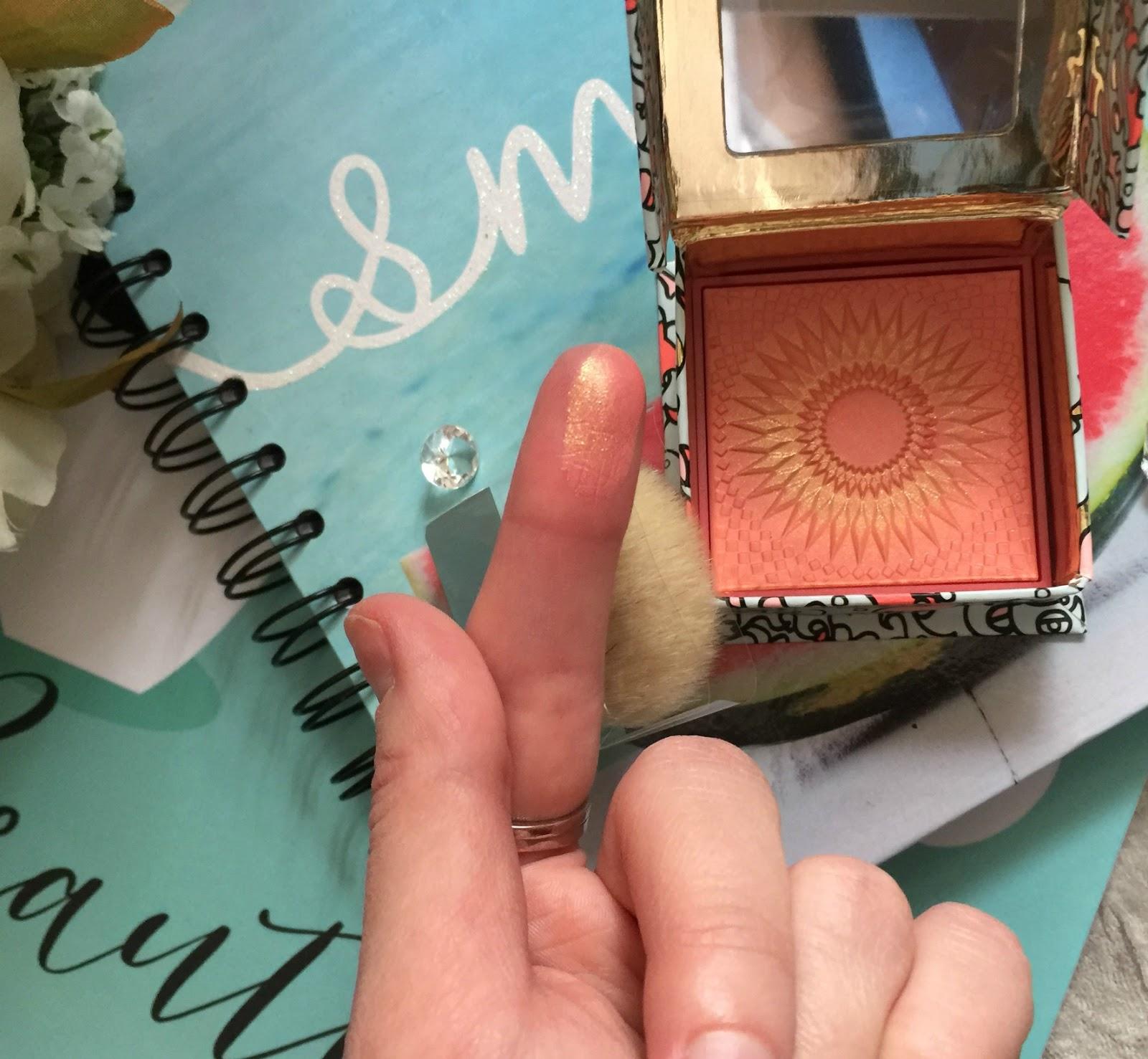 benefit galifornia blusher finger swatch