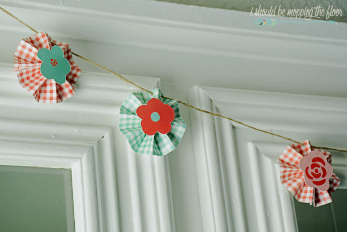 Free Printable Paper Mini Rosette Banner with Tutorial on Creating the Pieces