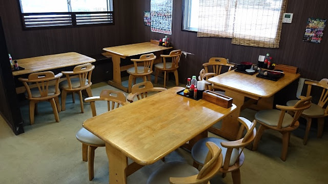 海鮮食堂太陽のテーブル席の写真